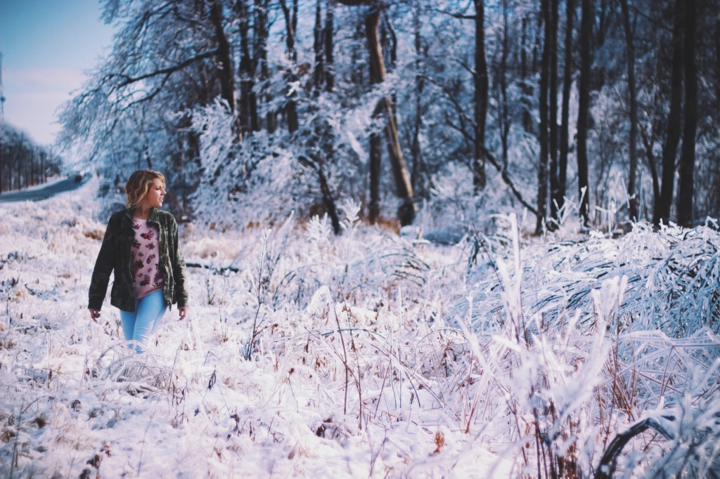 woman walk snow unsplash_52d82741a4c2f_1